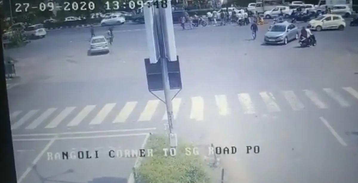 ahmedabad accident cctv died ahmedabad police 3 » Trishul News Gujarati Breaking News