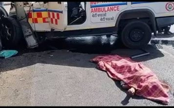 an ambulance carrying a corona positive patient to ahmedabad collided with a dumper - Trishul News Gujarati Breaking News