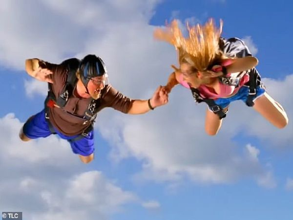 sky diving ended up in hospital1 - Trishul News Gujarati Breaking News