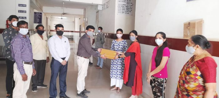 donation of five oxygen regulator kits to covid 19 care center trishulnews1 » Trishul News Gujarati Breaking News