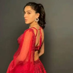 sara ali khan look gorgeous in 98k rs red sequinned lehenga choli see pics2 - Trishul News Gujarati Breaking News